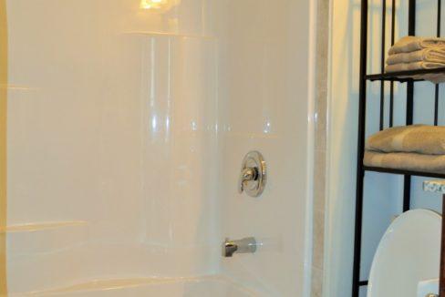 bathroom24-830x460